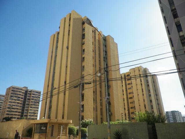 Apartamento Anzoategui>Puerto La Cruz>Sector El Frio - Venta:14.000 Precio Referencial - codigo: 19-4907