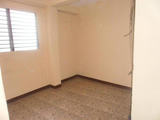 Local Comercial Zulia>Maracaibo>Pomona - Venta:38.000 Precio Referencial - codigo: 19-4940