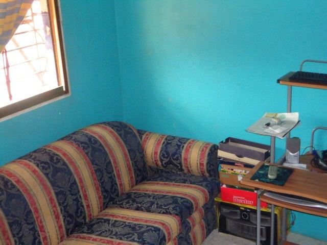 Casa Carabobo>Municipio Los Guayos>Paraparal - Venta:14.000 Precio Referencial - codigo: 19-4998