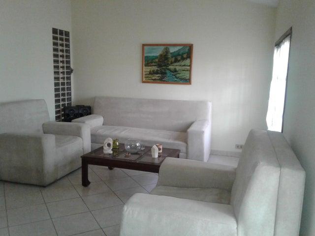 Casa Zulia>Maracaibo>Rosal Sur - Venta:33.000 Precio Referencial - codigo: 19-4993
