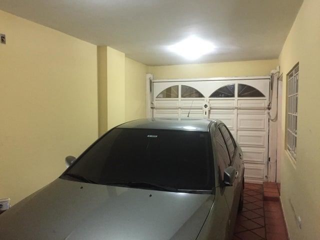 Townhouse Zulia>Maracaibo>Fuerzas Armadas - Venta:125.000 Precio Referencial - codigo: 19-5005