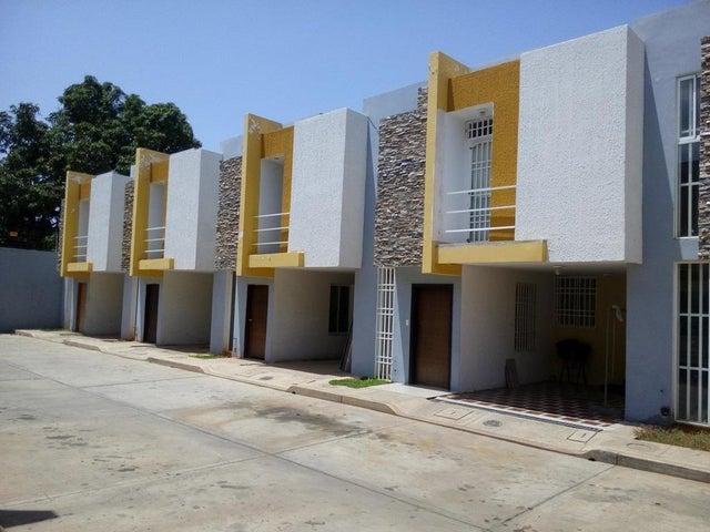 Townhouse Zulia>Municipio San Francisco>La Coromoto - Venta:17.000 Precio Referencial - codigo: 19-5080