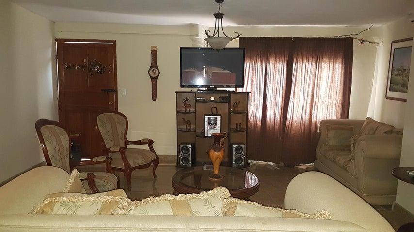 Casa Falcon>Coro>La Paz - Venta:15.000 Precio Referencial - codigo: 19-5105