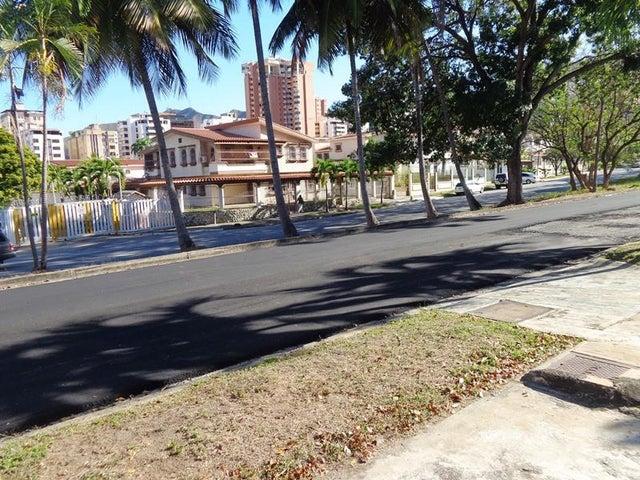 Terreno Carabobo>Valencia>Las Chimeneas - Venta:40.000 Precio Referencial - codigo: 19-5142