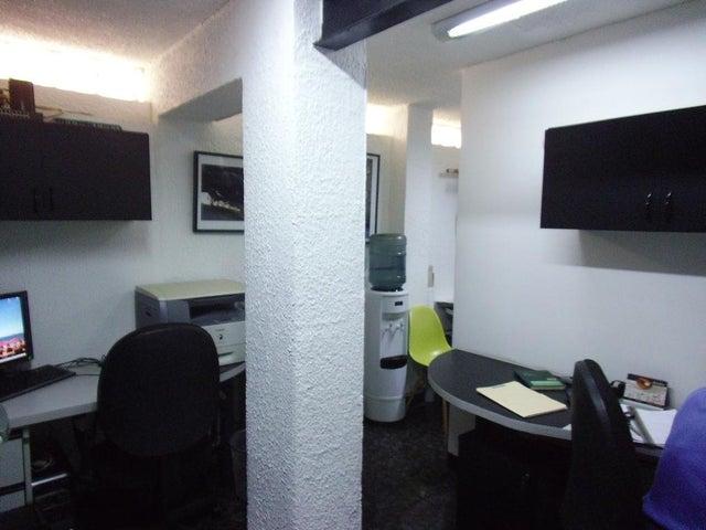 Oficina Distrito Metropolitano>Caracas>Colinas de Bello Monte - Alquiler:280 Precio Referencial - codigo: 19-5186