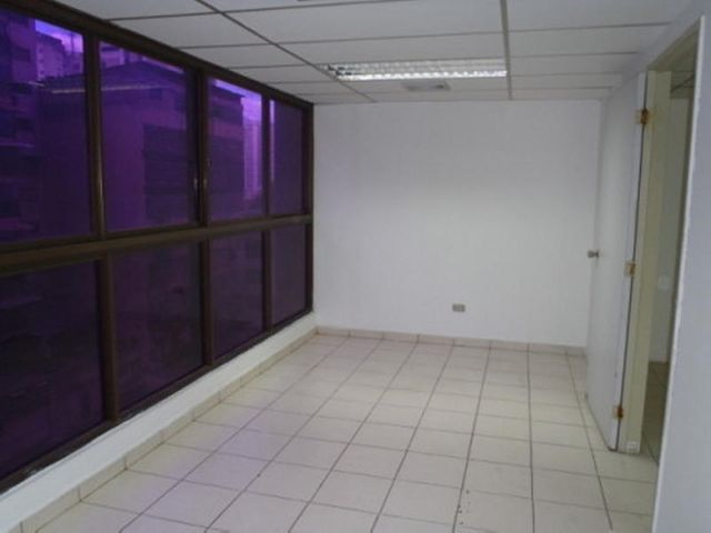 Oficina Distrito Metropolitano>Caracas>La Candelaria - Alquiler:250 Precio Referencial - codigo: 19-5238