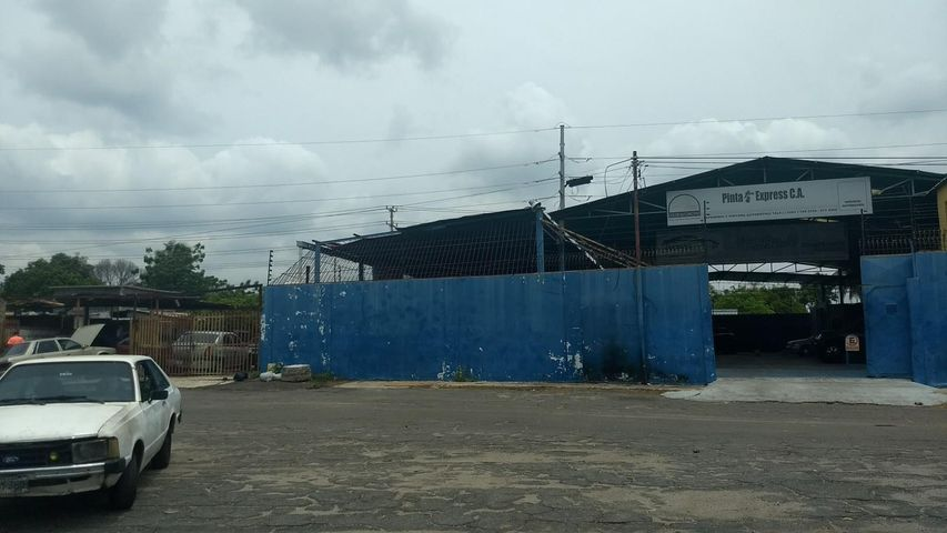 Galpon - Deposito Zulia>Maracaibo>Avenida Goajira - Venta:80.000 Precio Referencial - codigo: 19-5317