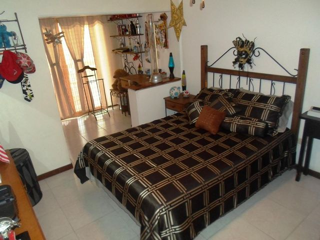 Casa Distrito Metropolitano>Caracas>La Boyera - Venta:210.000 Precio Referencial - codigo: 19-5342