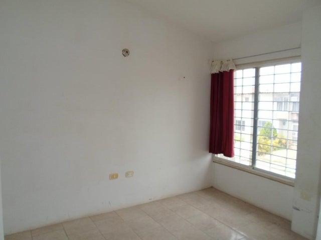 Casa Miranda>Cua>Las Mesetas - Venta:5.000 Precio Referencial - codigo: 19-5347