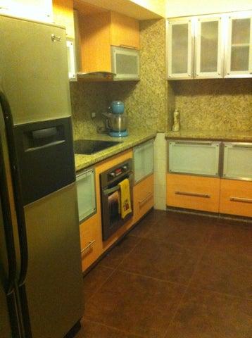 Apartamento Distrito Metropolitano>Caracas>Los Naranjos del Cafetal - Venta:210.000 Precio Referencial - codigo: 19-5375