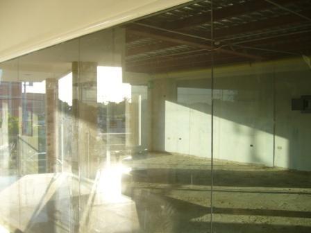 Local Comercial Zulia>Maracaibo>Avenida Milagro Norte - Alquiler:150 Precio Referencial - codigo: 19-5402