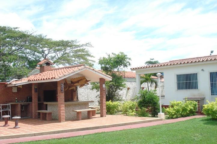 Casa Miranda>Higuerote>Club Campestre El Paraiso - Venta:12.000 Precio Referencial - codigo: 19-5413