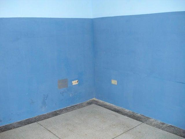Local Comercial Carabobo>Valencia>La Candelaria - Venta:37.000 Precio Referencial - codigo: 19-5508
