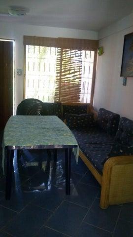 Townhouse Miranda>Higuerote>Higuerote - Venta:30.000 Precio Referencial - codigo: 19-5514