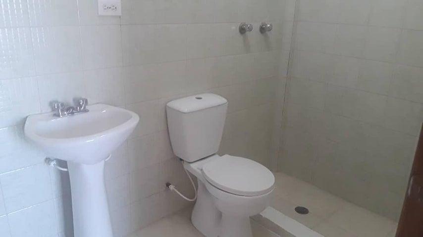 Townhouse Zulia>Maracaibo>Los Olivos - Alquiler:200 Precio Referencial - codigo: 19-5533