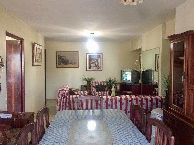 Apartamento Anzoategui>Puerto La Cruz>Puerto La Cruz - Venta:11.000 Precio Referencial - codigo: 19-5611