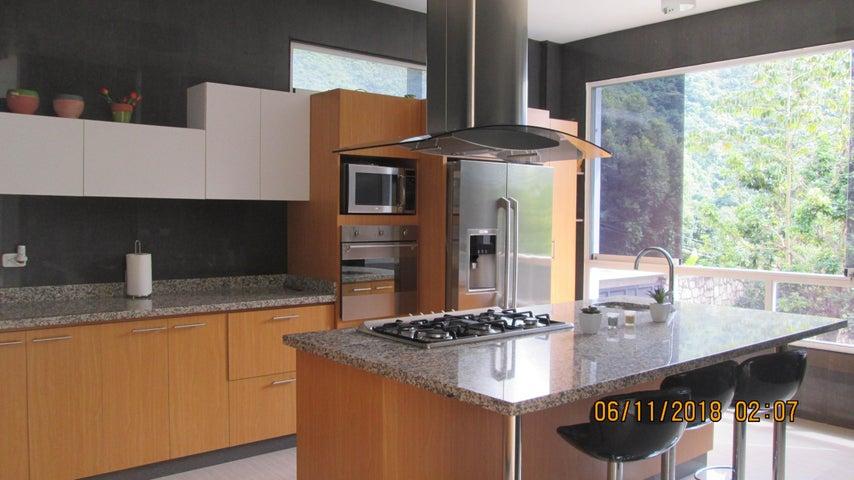 Casa Aragua>Maracay>El Castaño (Zona Privada) - Venta:420.000 Precio Referencial - codigo: 19-5649
