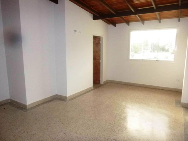 Townhouse Aragua>Maracay>El Limon - Venta:45.000 Precio Referencial - codigo: 19-5657