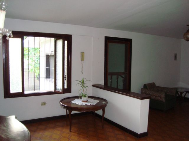 Casa Aragua>Maracay>El Limon - Venta:150.000 Precio Referencial - codigo: 19-5668