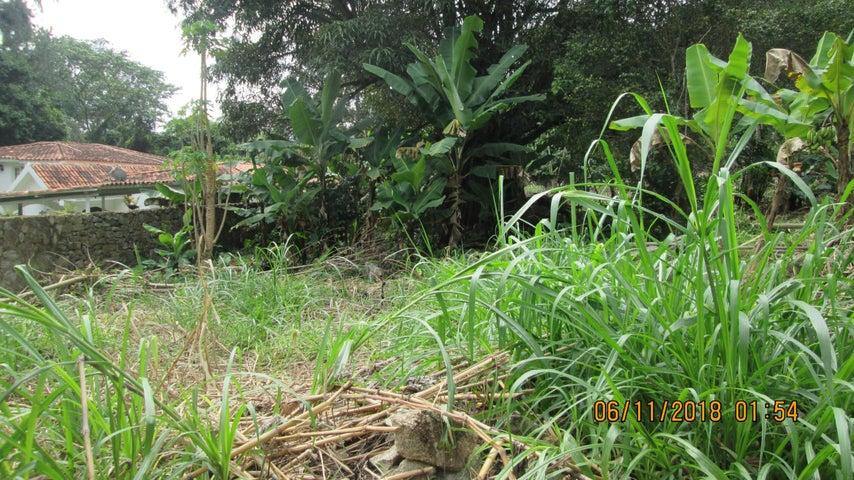 Terreno Aragua>Maracay>El Castaño (Zona Privada) - Venta:70.000 Precio Referencial - codigo: 19-5677