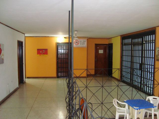 Edificio Aragua>Maracay>Zona Centro - Venta:316.000 Precio Referencial - codigo: 19-5679