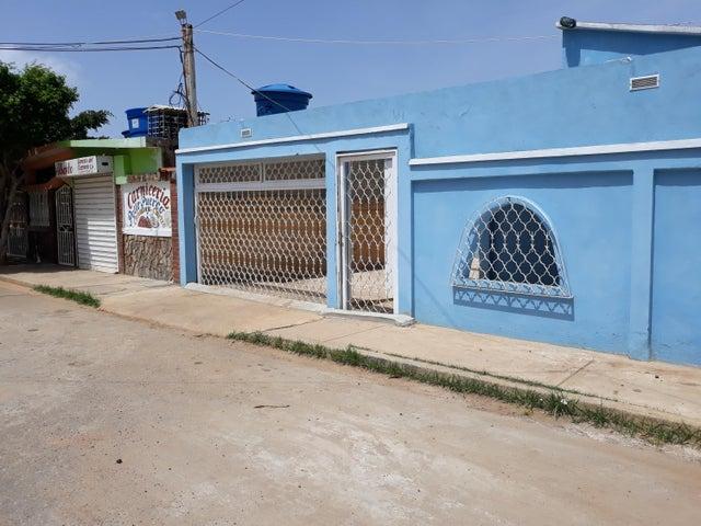 Casa Zulia>Santa Rita>Via Principal - Venta:3.000 Precio Referencial - codigo: 19-5686
