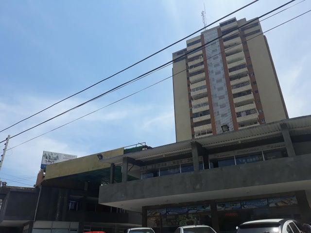 Local Comercial Zulia>Maracaibo>Avenida Universidad - Alquiler:80 Precio Referencial - codigo: 19-5688