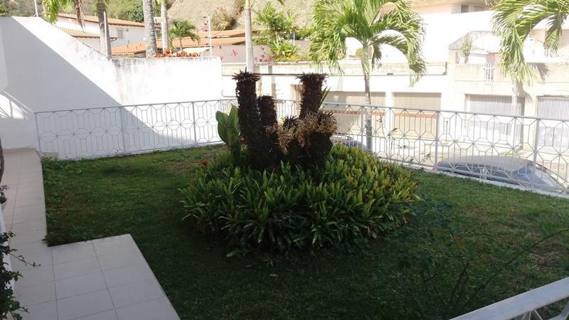 Casa Distrito Metropolitano>Caracas>Macaracuay - Venta:700.000 Precio Referencial - codigo: 19-5770