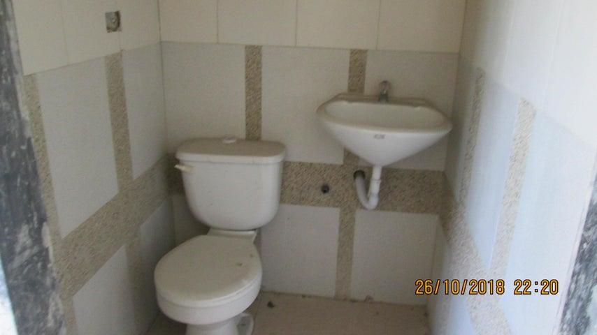 Local Comercial Aragua>Maracay>Santa Rosa - Venta:180.000 Precio Referencial - codigo: 19-5783