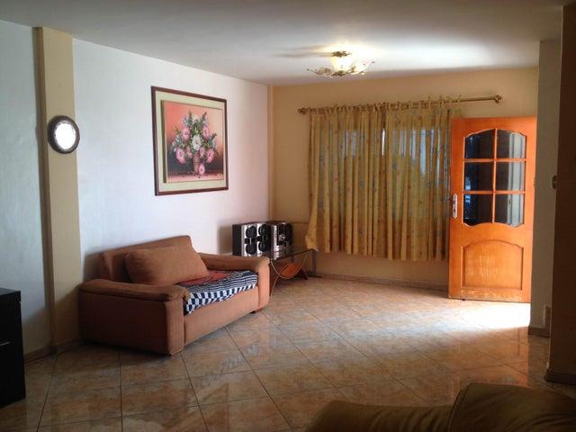 Townhouse Aragua>La Victoria>La Floresta - Venta:40.000 Precio Referencial - codigo: 19-5791