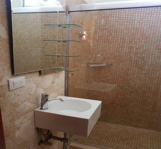 Casa Anzoategui>Lecheria>Complejo Turistico EL Morro - Alquiler:1.200 Precio Referencial - codigo: 19-5841
