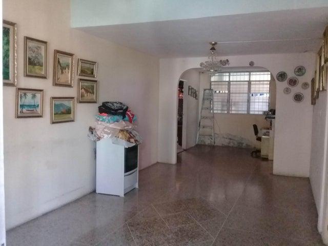 Casa Aragua>Palo Negro>Los Libertadores - Venta:20.000 Precio Referencial - codigo: 19-5855