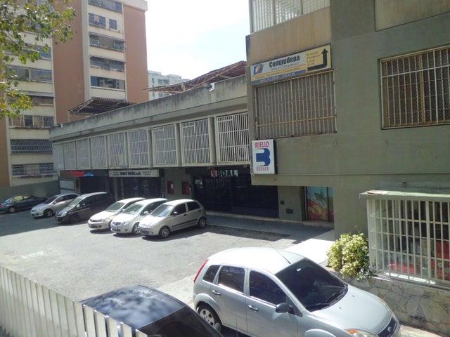 Local Comercial Distrito Metropolitano>Caracas>La Urbina - Venta:60.000 Precio Referencial - codigo: 19-5864
