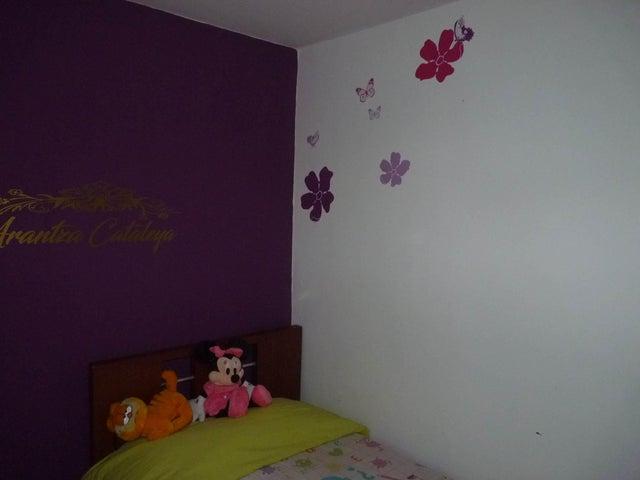 Apartamento Aragua>Maracay>Bosque Alto - Venta:25.000 Precio Referencial - codigo: 19-5886