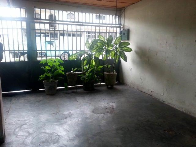Casa Aragua>Maracay>San Ignacio - Venta:11.500 Precio Referencial - codigo: 19-5893