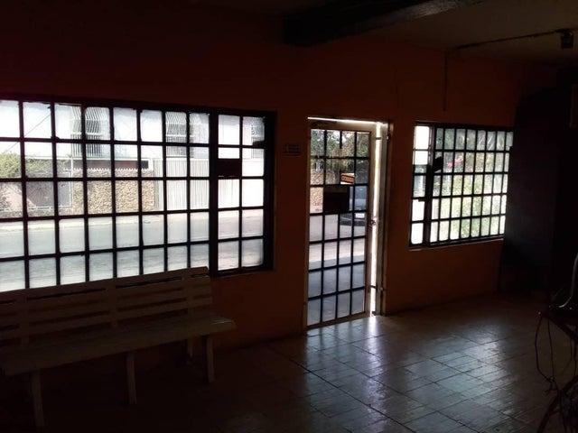 Local Comercial Zulia>Ciudad Ojeda>Plaza Alonso - Alquiler:200 Precio Referencial - codigo: 19-5851