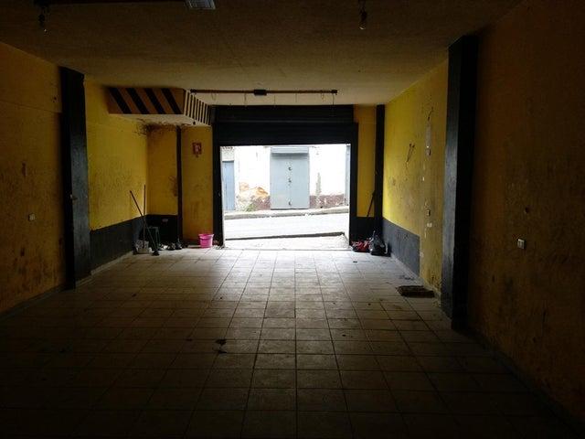 Local Comercial Distrito Metropolitano>Caracas>Parroquia San Juan - Venta:20.000 Precio Referencial - codigo: 19-5965