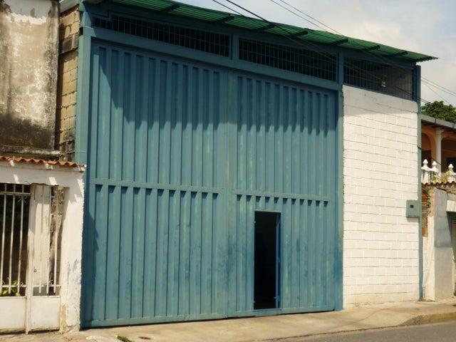 Galpon - Deposito Aragua>Maracay>Zona Industrial San Vicente - Venta:18.000 Precio Referencial - codigo: 19-5970