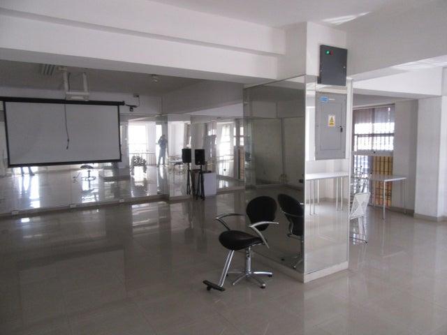 Local Comercial Aragua>Maracay>El Centro - Venta:250.000 Precio Referencial - codigo: 19-5987