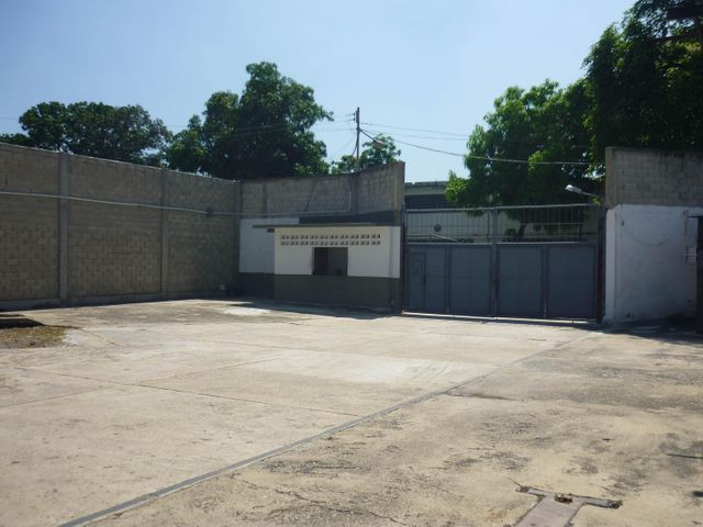 Galpon - Deposito Aragua>Maracay>San Miguel - Venta:750.000 Precio Referencial - codigo: 19-6013