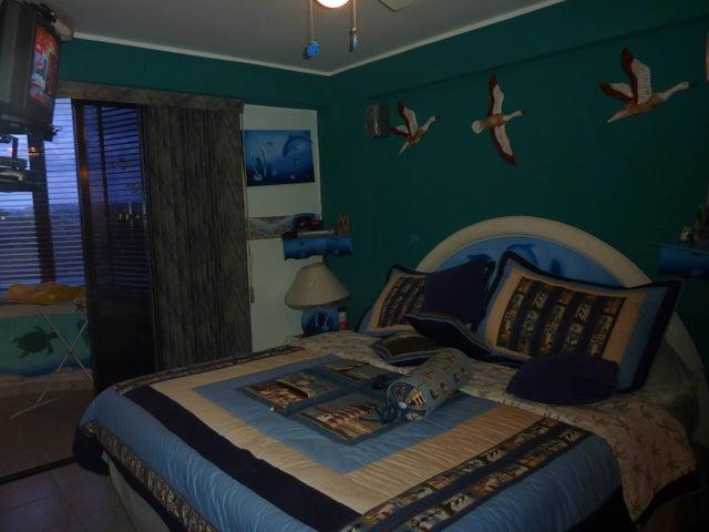 Apartamento Miranda>Higuerote>Agua Sal - Venta:40.000 Precio Referencial - codigo: 19-6026