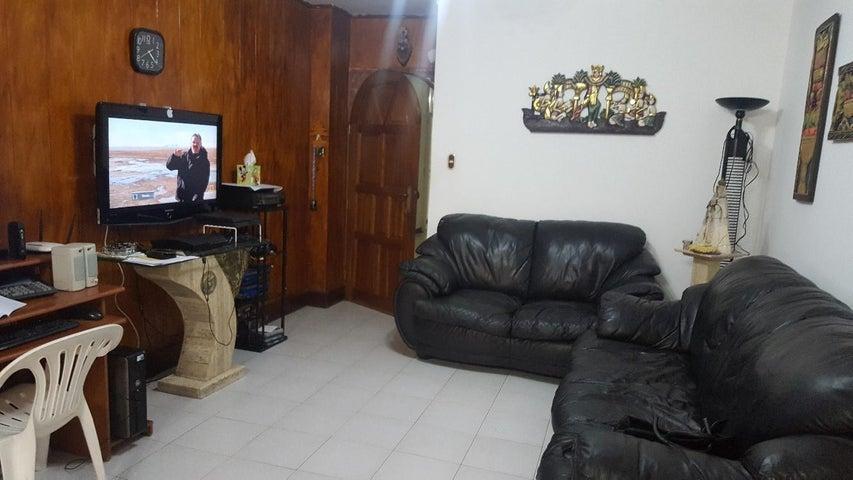 Apartamento Distrito Metropolitano>Caracas>Los Palos Grandes - Venta:75.000 Precio Referencial - codigo: 19-6039