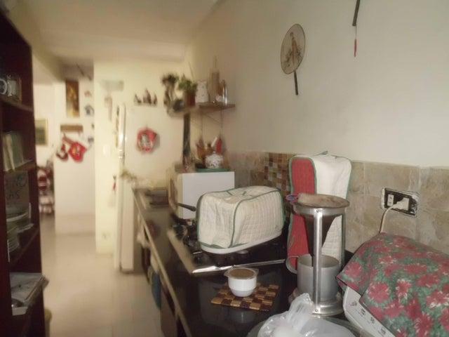 Apartamento Miranda>Guarenas>Nueva Casarapa - Venta:14.000 Precio Referencial - codigo: 19-6047
