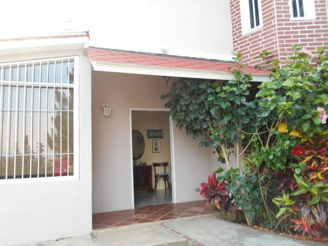 Casa Distrito Metropolitano>Caracas>Caicaguana - Venta:100.000 Precio Referencial - codigo: 19-6086