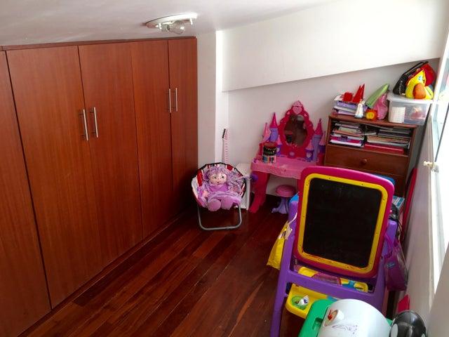 Casa Distrito Metropolitano>Caracas>Colinas de Bello Monte - Venta:410.000 Precio Referencial - codigo: 19-6132