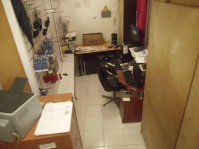 Local Comercial Miranda>Guatire>Guatire - Venta:7.000 Precio Referencial - codigo: 19-6165