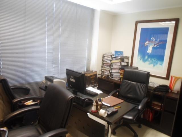 Oficina Distrito Metropolitano>Caracas>Chacao - Alquiler:4.000 Precio Referencial - codigo: 19-6166