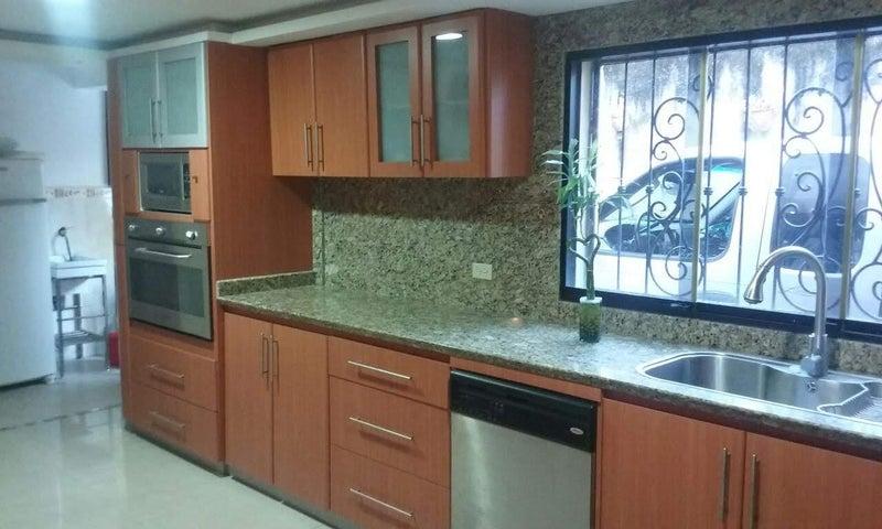 Casa Carabobo>Municipio Naguanagua>Carialinda - Venta:30.000 Precio Referencial - codigo: 19-6238