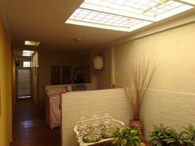Casa Lara>Barquisimeto>Santa Elena - Venta:120.000 Precio Referencial - codigo: 19-6264