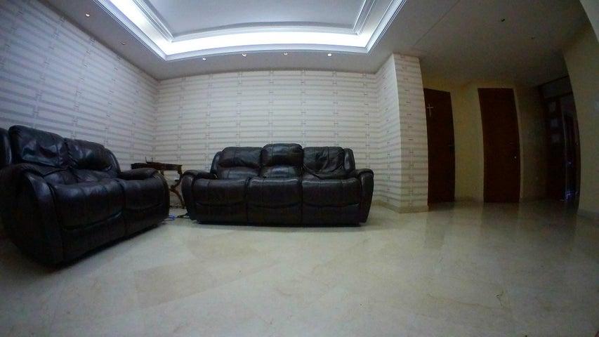 Apartamento Zulia>Maracaibo>Avenida El Milagro - Venta:150.000 Precio Referencial - codigo: 19-4205